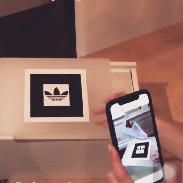 Adidas kiterejesztett valóság (AR) kampány